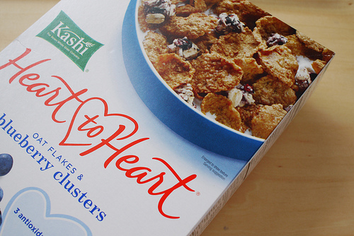 iHerbで買った、Kashi, Heart to Heart, Oat Flakes & Wild Blueberry Clusters, 13.4 oz (380 g)を食べてみた