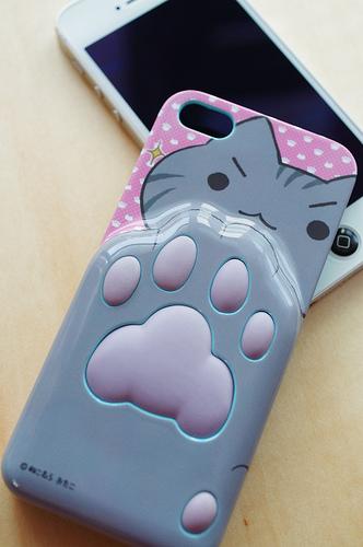iPhone5ネコ肉球ケースを購入!