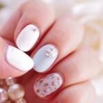2013冬ジェルネイル 白1色×ラメブルー1色×ヒョウ柄+ストーン