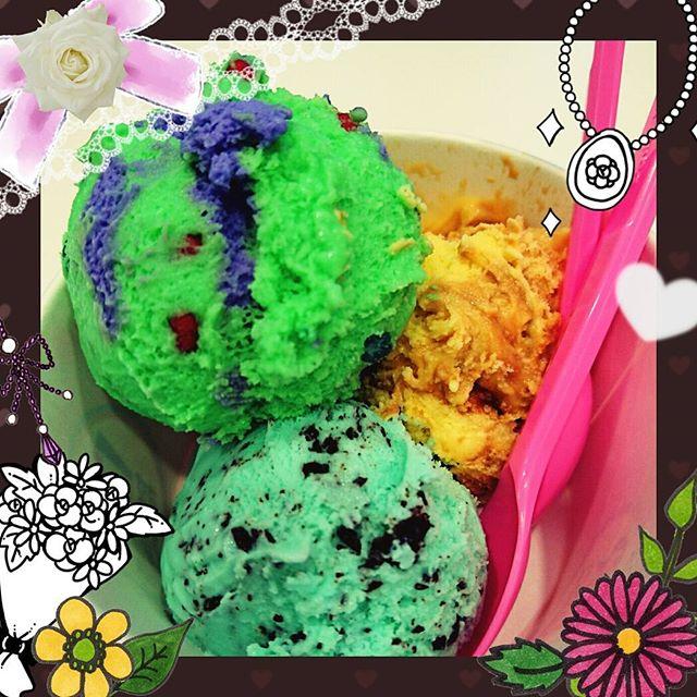 #baskinrobbins 不思議な色の#アイスクリーム