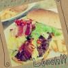 お友達と代官山のSASAで。日本で一番好きなハンバーガー屋さんのSASA。いつ行っても大好き! 日替わり限定10食のペペロンチーノバーガー食べました! キャベツ美味しい!#sasa #ハンバーガー #代官山