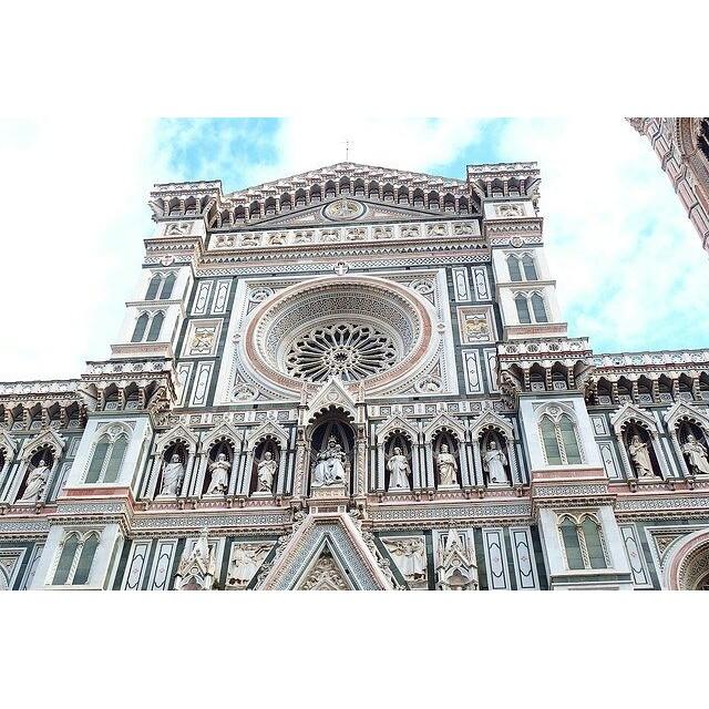 【女子旅シリーズ】大好きイタリア・フィレンツェのドゥーモ。とにかく教会が大好きで、ヨーロッパ行ったら教会めぐりしまくり、有名な教会もそうじゃない教会もどれもステキだけど、フィレンツェのドゥーモは格別で圧倒的な存在感!#イタリア #イタリア旅行 #フィレンツェ #教会 #ドゥーモ #旅行 #1人旅 #世界遺産 #世界遺産巡り