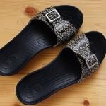クロックスのサンダルcrocs sarah leopard sandal w 履いてみた。
